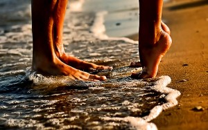 Couple Love Beach Romance Hd Wallpapers Barefoot Yacht Charters